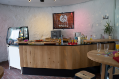 Café Tower: Die neue Theke – Foto: Philipp Herzog